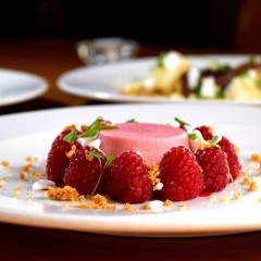 Foie gras, čokoláda, kachna i prosecco: Co se v Brně servíruje na Valentýna