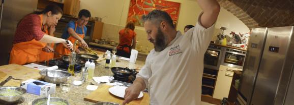 Účastníkům kurzů se snažím předávat především radost z vaření, říká lektor Divoké vařečky a šéfkuchař Radim Procházka